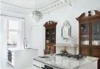 Роскошный дизайн интерьера кухни с двумя островами