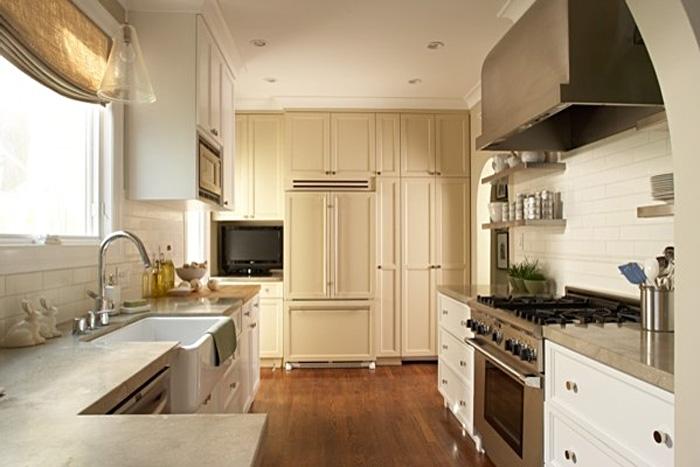 Оригинальный дизайн интерьера кухни в классическом стиле