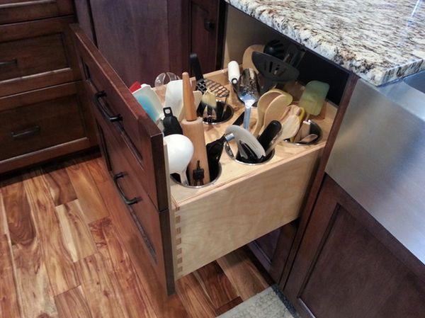 Выдвижной ящик для хранения мелкой кухонной утвари
