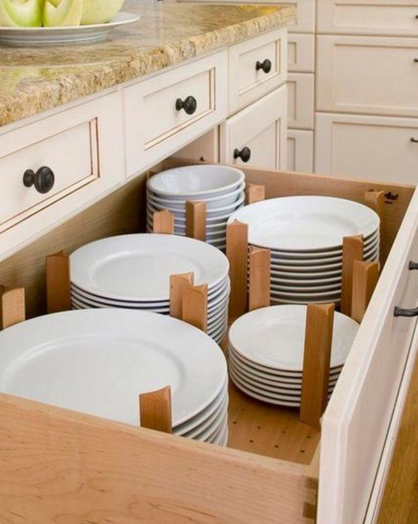 Большой выдвижной ящик с посудой