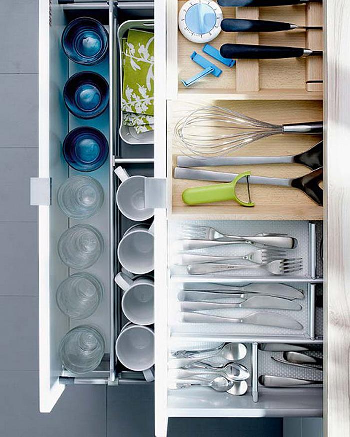 Выдвижные кухонные ящики для хранения аксессуаров