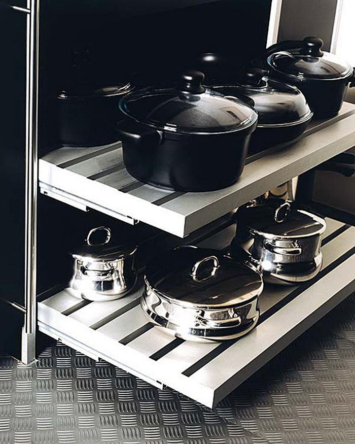 Выдвижные полки для хранения крупной посуды и кастрюль