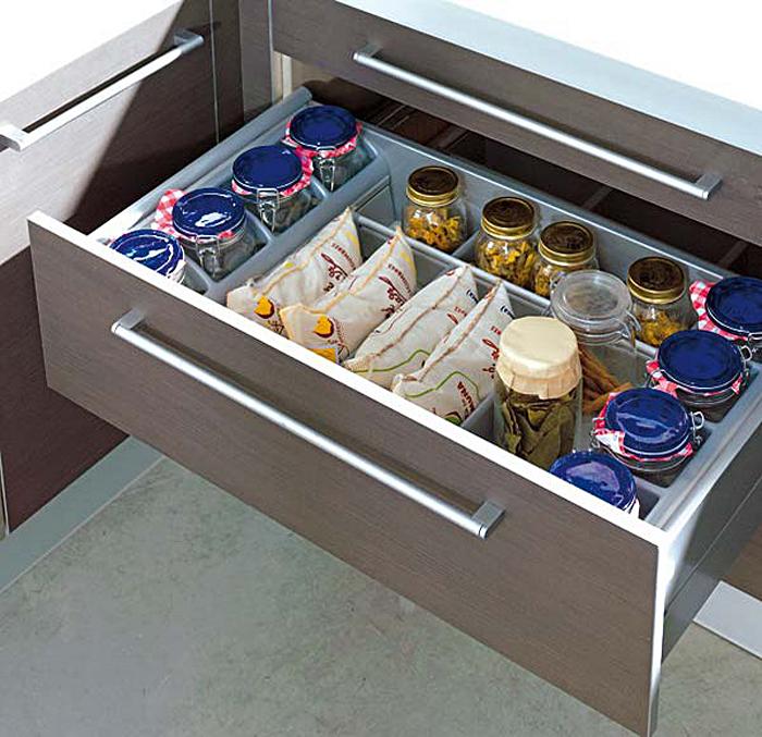 Выдвижной кухонный ящик для хранения специй и бакалеи