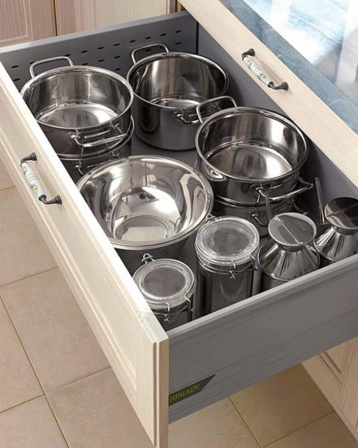 Выдвижной кухонный ящик для хранения кастрюль