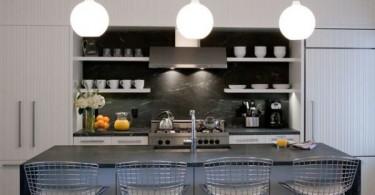 Стулья с сетчатыми спинками в интерьере кухни