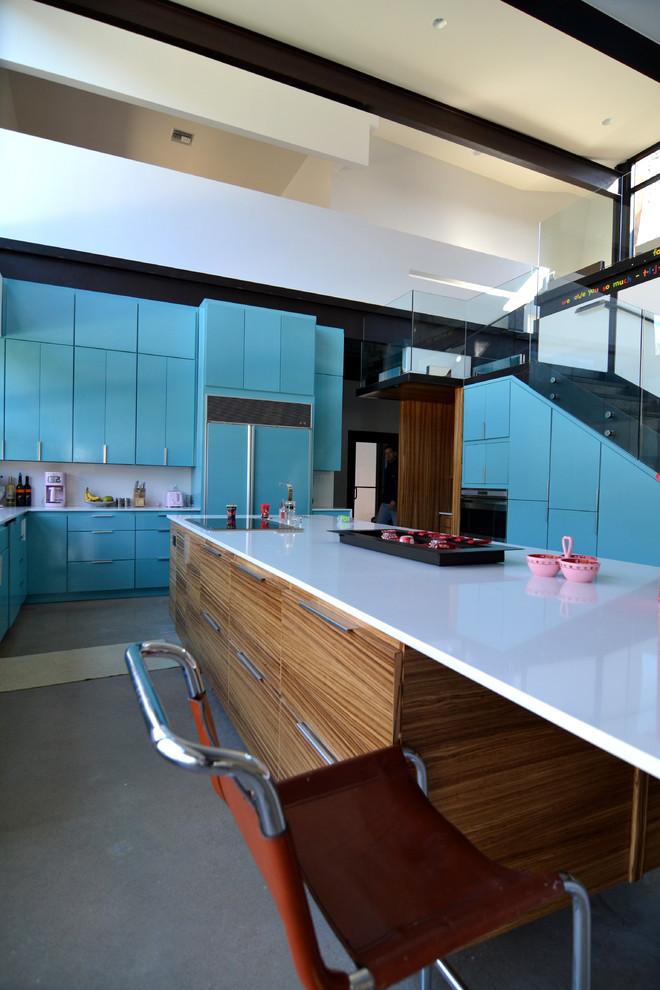 Оригинальное напольное покрытие в интерьере кухни от Merzbau Design Collective
