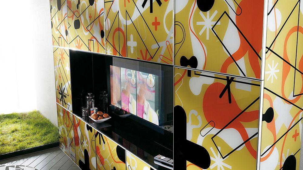 Детали интерьера: шелкография на фасадах шкафов в стиле поп-арт