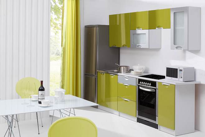 Оригинальный дизайн интерьера кухни в зелёных оттенках