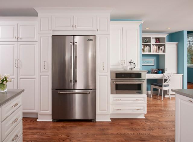 Встроенный холодильник цвета метталик