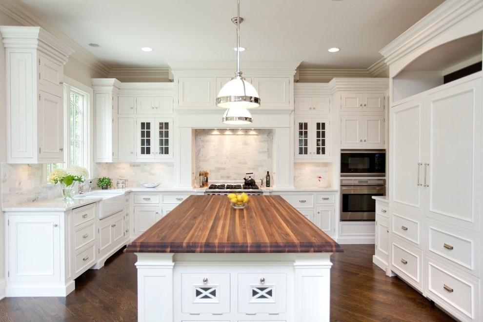 Потрясающий дизайн интерьера кухни в классическом стиле от Oakley Home Builders
