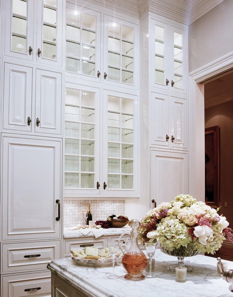 Потрясающий дизайн интерьера кухни в классическом стиле от Danenberg Design