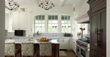 Потрясающий дизайн интерьера кухни в классическом стиле от John Kraemer & Sons