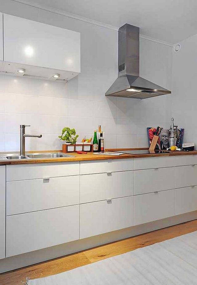 Вытяжка над кухонной плитой