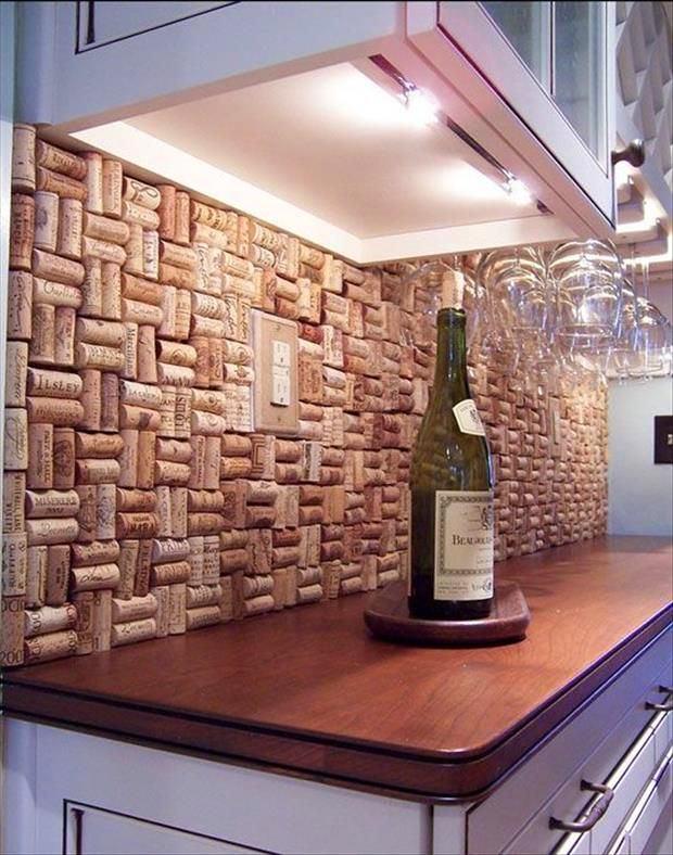Кухонный фартук из винных пробок