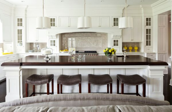 Стильный дизайн функционального острова в интерьере кухни