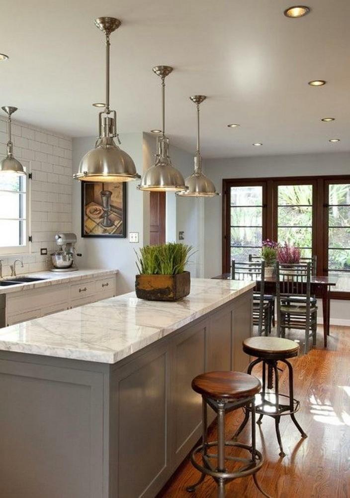 Люстры в промышленном стиле на кухне