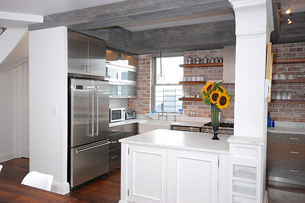 Нью – Йоркская кухня с металлическими акцентами