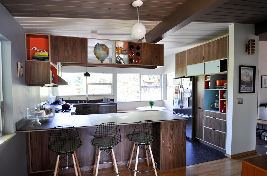 Дизайн интерьера кухни в стиле модерн 50-х