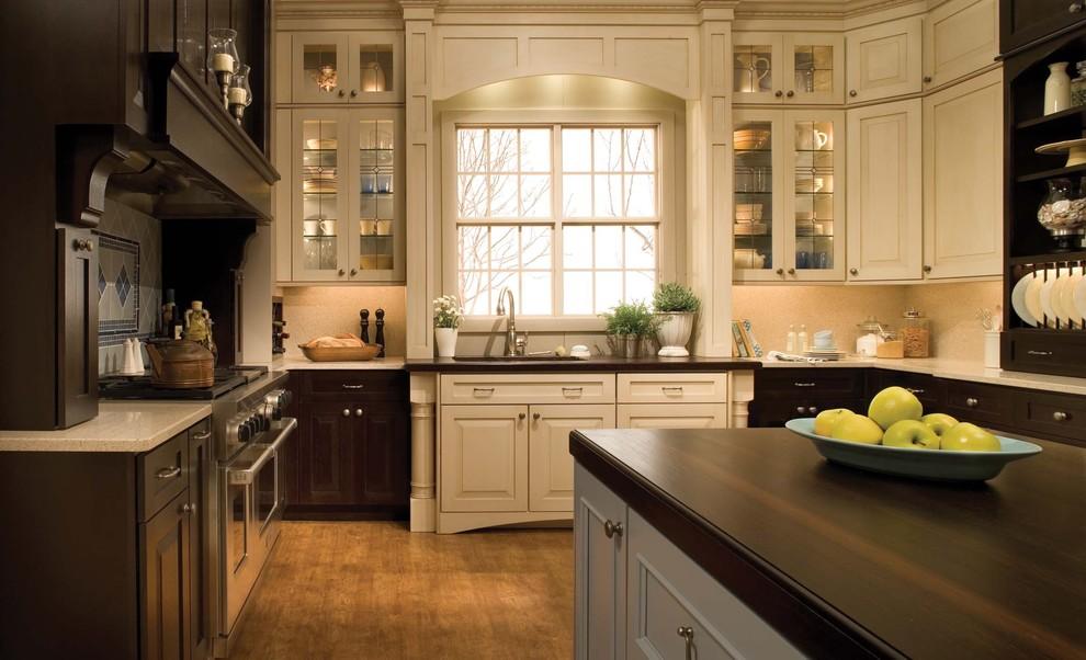 Дизайн интерьера кухни из натурального дерева от SKD STUDIOS