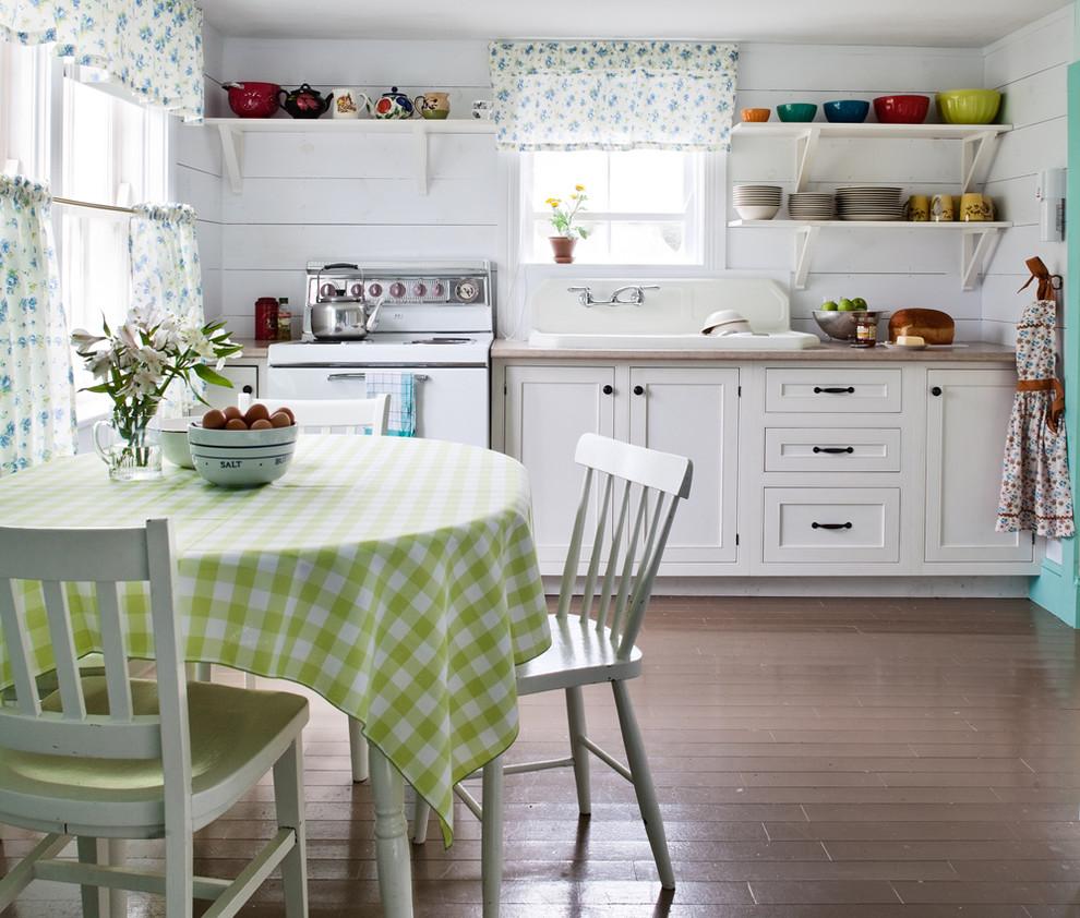 Современный дизайн интерьера кухни деревенском стиле