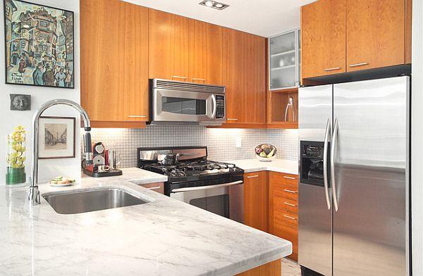 Простенькая, но очень стильная идея ремонта малогабаритной кухни