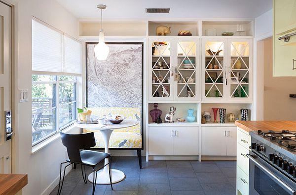 Небольшая кухня с кабинетом и уютным уголком для завтрака