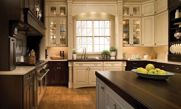 Сочетание тёмного и яркого в дизайне кухни