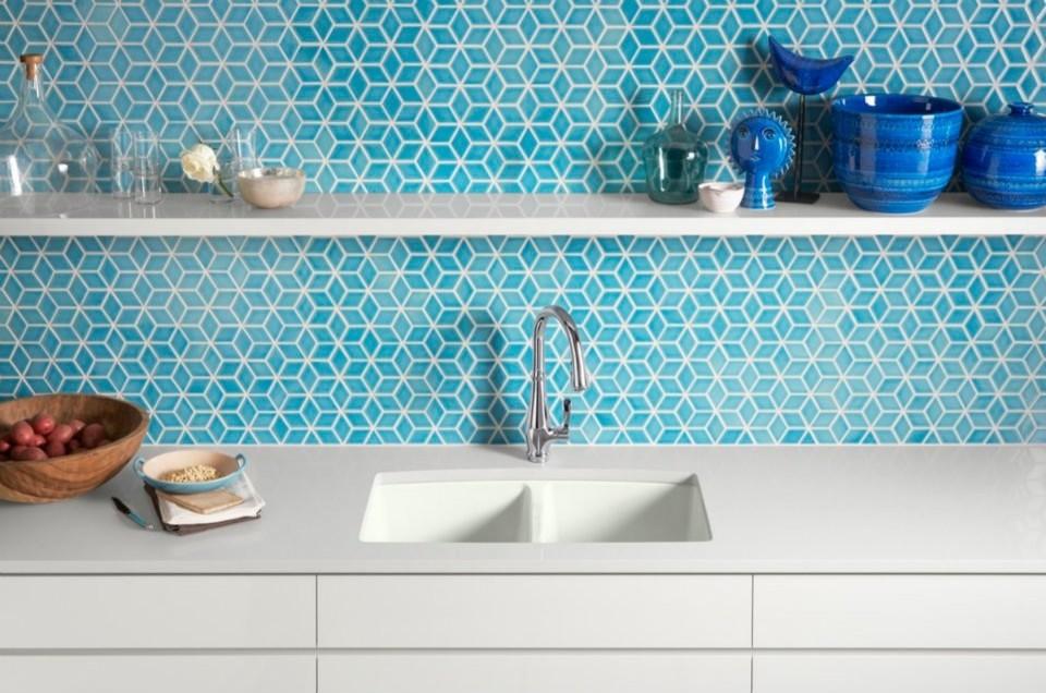 Эмалированная чугунная раковина в интерьере кухни от Kohler