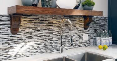 Стильный дизайн кухонной раковины из нержавеющей стали от Atmosphere Interior Design Inc.