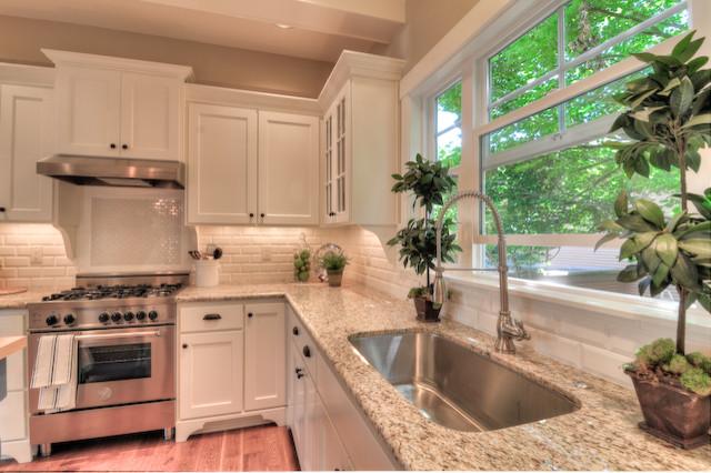 Стильный дизайн кухонной раковины из нержавеющей стали от <em>TTM Development Company</em>