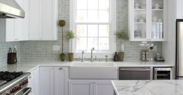 Стильный дизайн интерьера кухни в чёрно-белой гамме от Fiorella Design