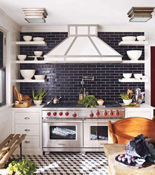 Плитка метро в интерьере кухни стена до потолка фото