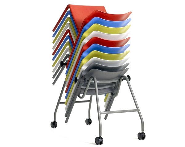 Разноцветные складные стулья для современной кухни