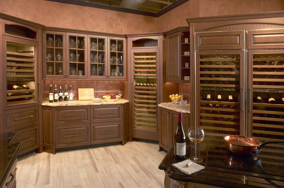 Компактный винный холодильник в дизайне современной кухни от Clarke Appliance Showrooms