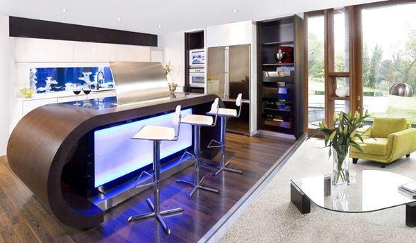 Аквариум в дизайне деревянной кухни с визуальным эффектом и неоновой подсветкой от Darren Morgan