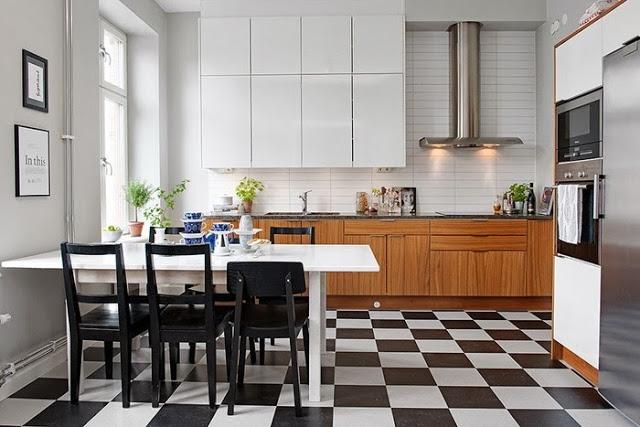 Интерьер белоснежной кухни в скандинавском стиле
