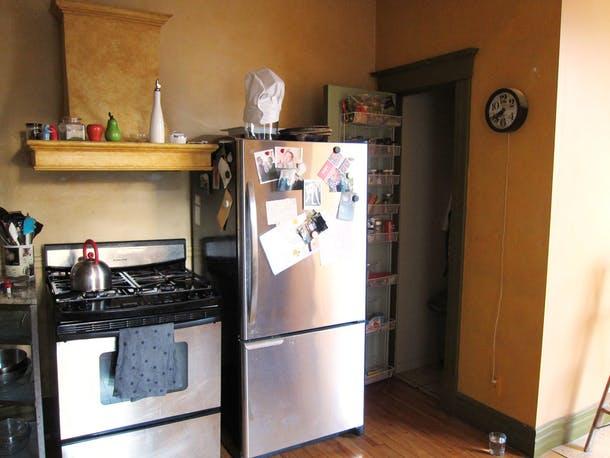 Не самое идеальное расположение техники на старой кухне