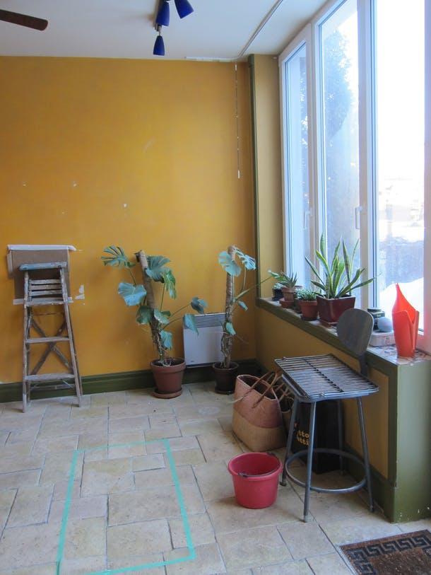 Солнечная комната с холодным-прехолодным полом зимой