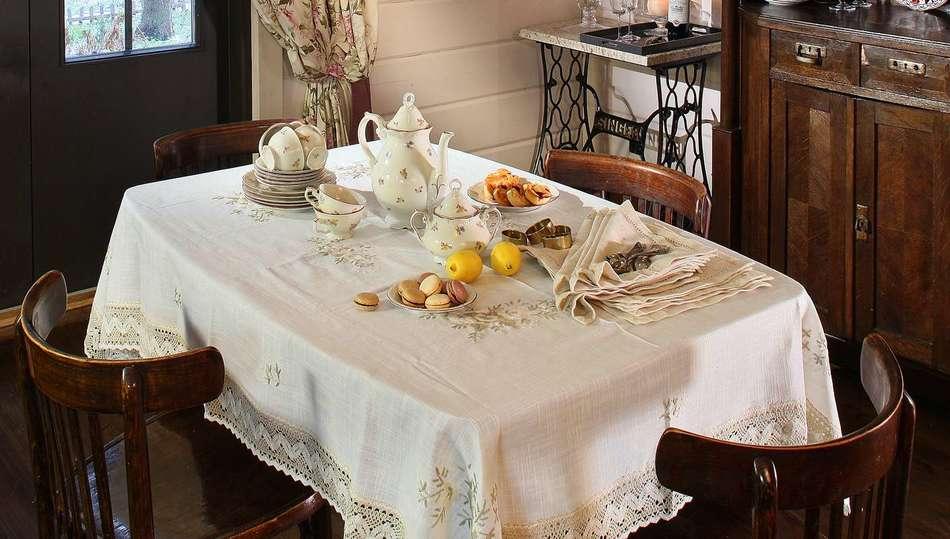 Сервировка стола в деревенском стиле