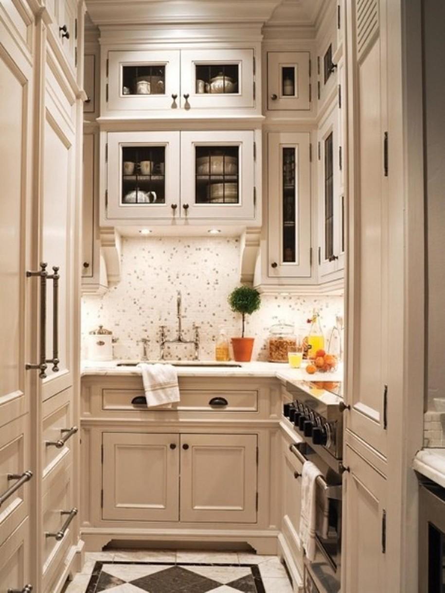 Небольшие классические кухни дизайн
