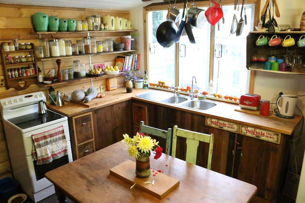 Уютная кухня в сельском стиле