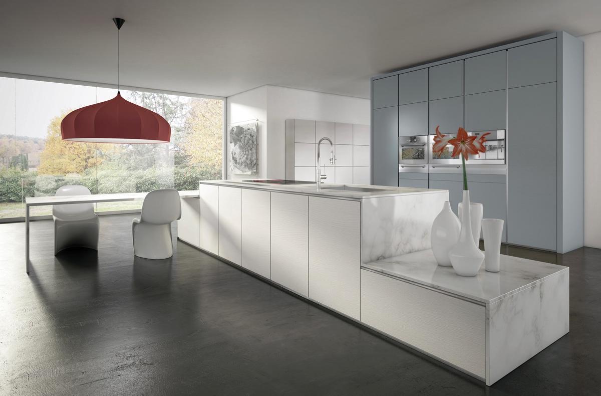 Ярко-оранжевый светильник в интерьере кухни
