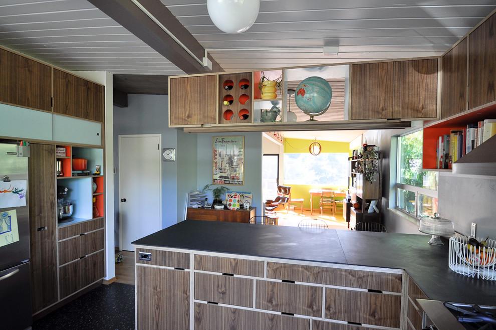 Великолепная кухня Light, Chalkboard and Midcentury Style