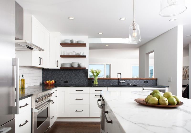Артистическая кухня в чёрно-белом стиле: прямоугольная ритмика