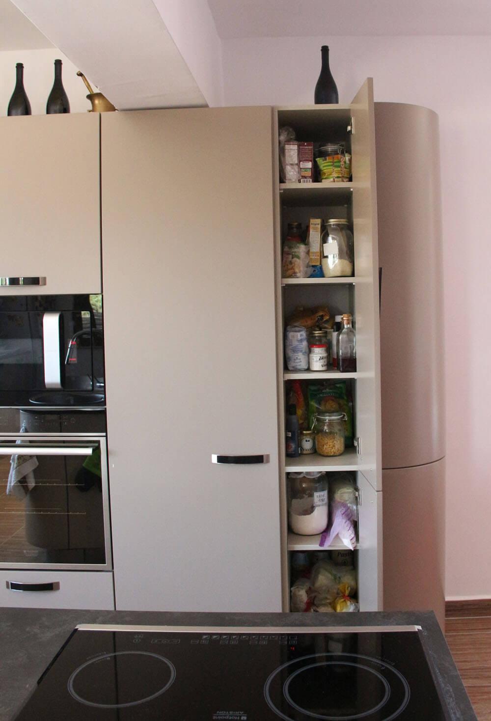 В кухне предусмотрено много мест для хранения