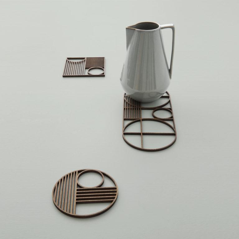 Кухня в сером цвете: стильные подставки из дерева