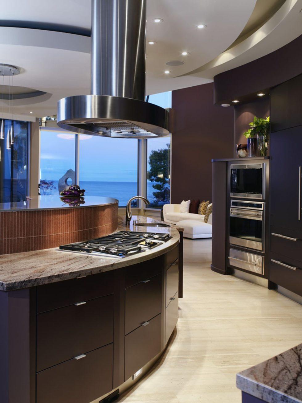 Современная кухня в стиле хай-тек