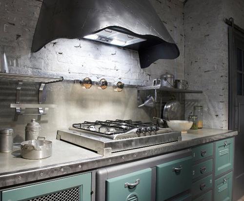 Кухня в винтажном стиле: плита и рабочая поверхность