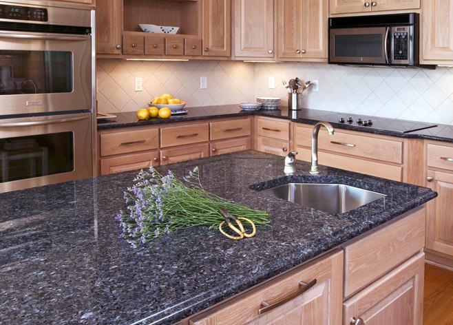 Гранитная столешница в интерьере кухни