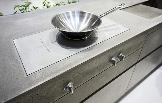 Бетонная столешница в интерьере кухни